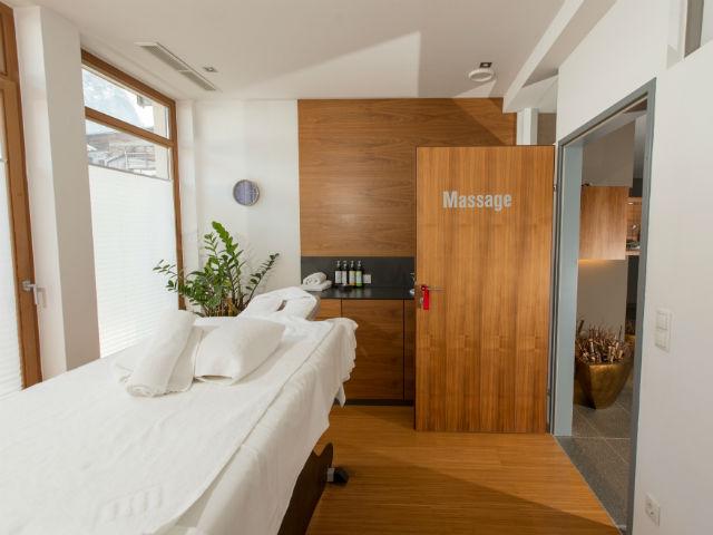 Massageraum gestalten  Massages & Treatments - ACTIVE by Leitner's Kaprun