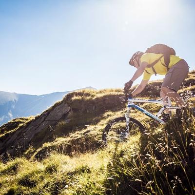 2015-biken-am-kitzsteinhorn-fotografiert-von-unten-sebastian-d~rk